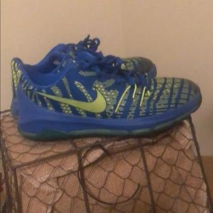 Kevin Durant youth Nike shoes